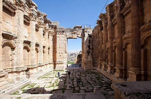 Baalbek-Interior-Courtyard