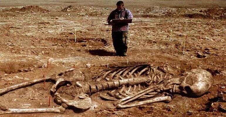 Researchers Discover Giant Skeletons in Ecuador and Peru