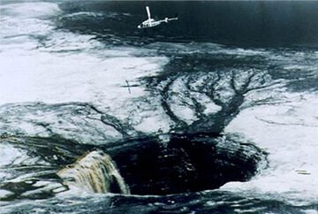 hallow_earth_sinkholes_ufo