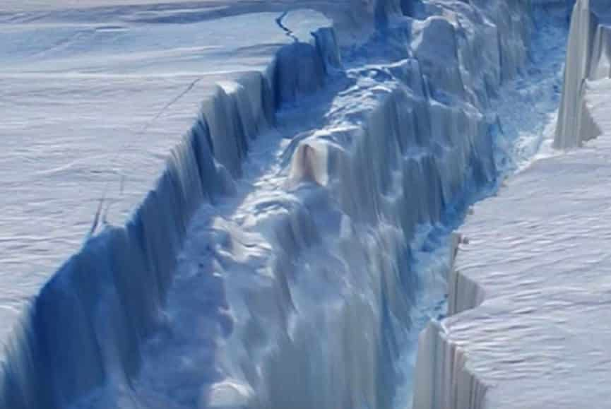 ice crack in antarctica
